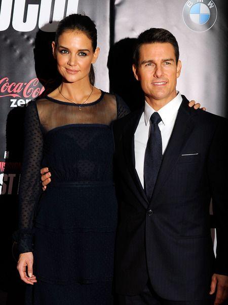 Θρίλερ με το διαζύγιο Katie Holmes-Tom Cruise  Katie Holmes & Tom Cruise: Παίρνουν διαζύγιο  http://www.joywood.gr/2012/07/02/rupert-murdoch-%CF%85%CF%80%CE%AC%CF%81%CF%87%CE%B5%CE%B9-%CE%BA%CE%AC%CF%84%CE%B9-%CF%80%CE%BF%CE%BB%CF%8D-%CE%B1%CE%BD%CE%B1%CF%84%CF%81%CE%B9%CF%87%CE%B9%CE%B1%CF%83%CF%84%CE%B9%CE%BA%CF%8C/#
