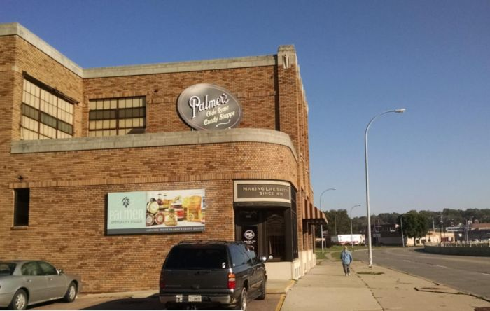 The Chocolate Factory Tour In Iowa That's Everything You've Dreamed Of And More