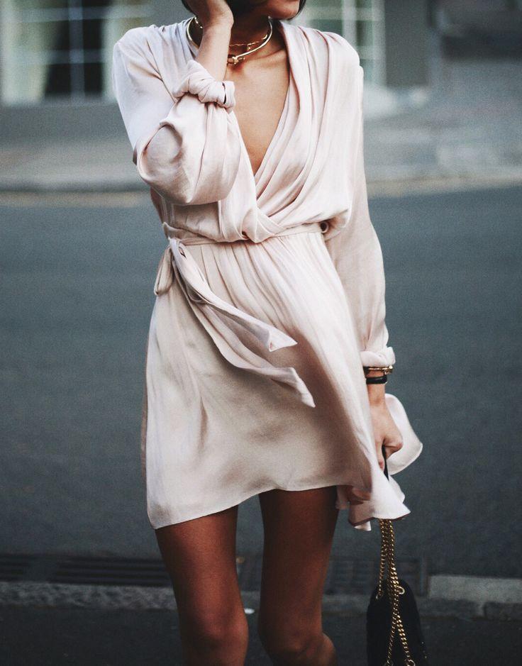 Pale blush wrap dress | @styleminimalism