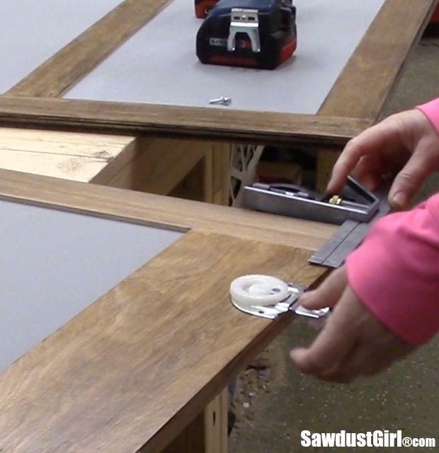 Homemade Sliding Door Closer: Best 25+ Sliding Cabinet Doors Ideas On Pinterest