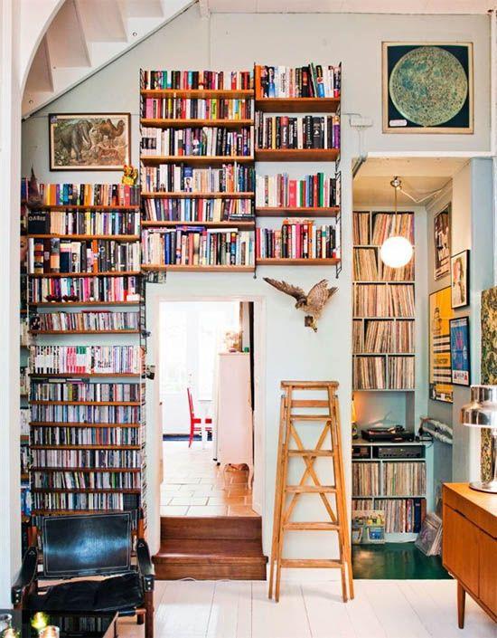 Books + vinyl nook = perfection.