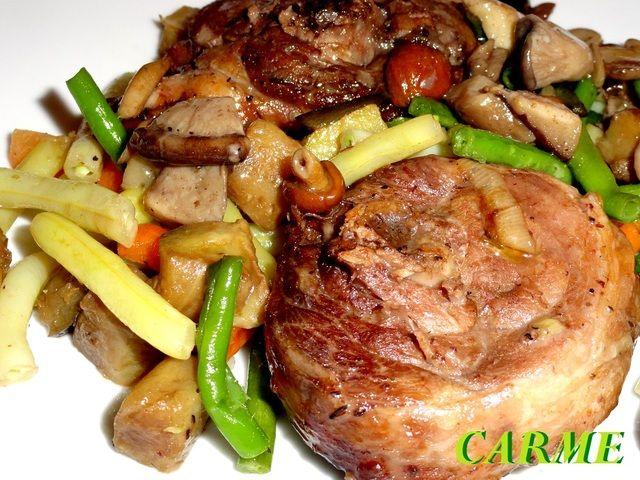 Pavo rustido en horno con verduras