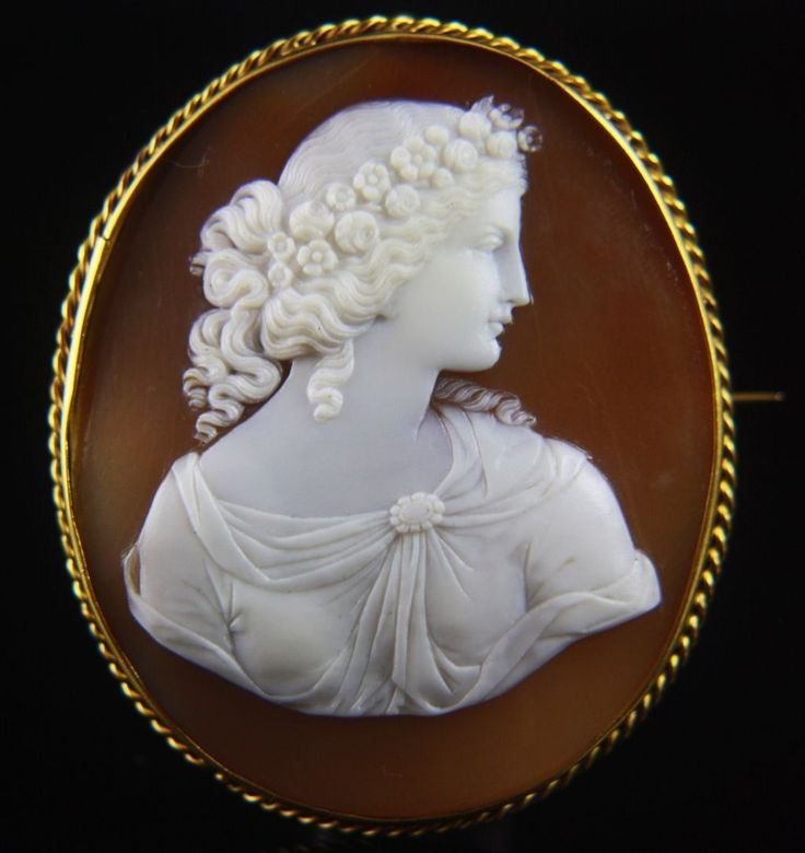 Extra-fine Victorian Signed 14k X-Large Goddess Flora Cameo