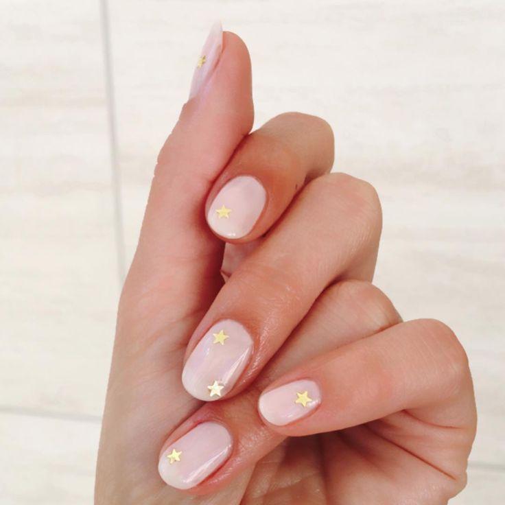 Kurze Nail Art Designs von Lili Reinharts Go-To Manicurist – Nail Design