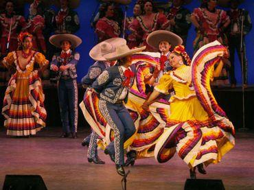 El Ballet Folclórico de Guadalajara inicia colorida temporada