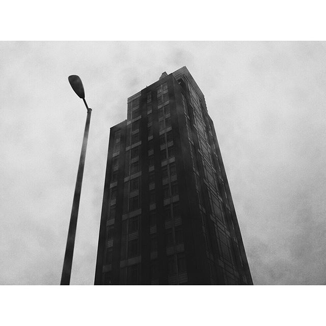 Starting off the week with some #FreshFilm via @d_peto amongst his city strolls.