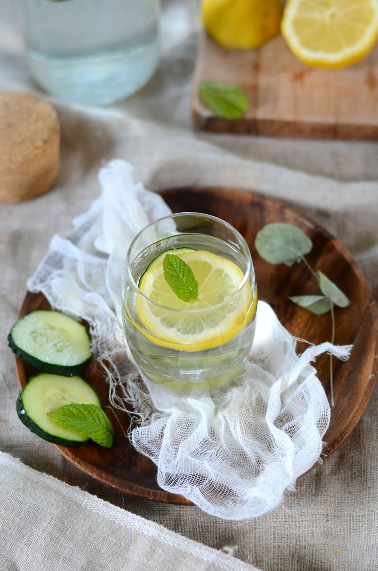 Comme pour ma 1èr grossesse la période estivale est compliquée niveau boisson c'est là que l'eau de concombre, citron et menthe entre en jeu