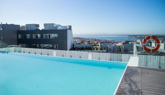 Notre adresse coup de coeur où dormir à Lisbonne : l'Epic Sana et sa magnifique piscine à débordement vue sur la ville