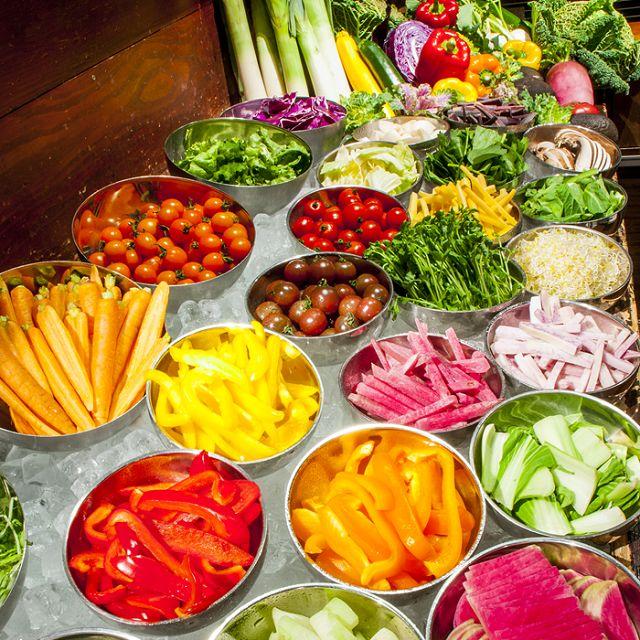銀座「野菜の王様」では体に優しい野菜のバイキング。東京のバイキングスポット