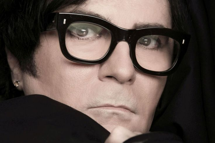 @RENATOZERO:+domani+esce+#ALT+,+il+suo+nuovo+album+di+inediti.