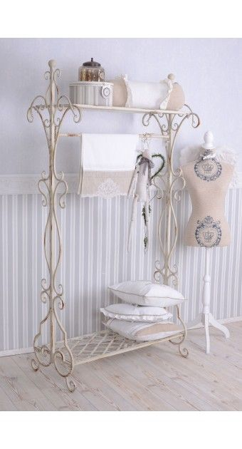 ber ideen zu garderobe weiss auf pinterest. Black Bedroom Furniture Sets. Home Design Ideas