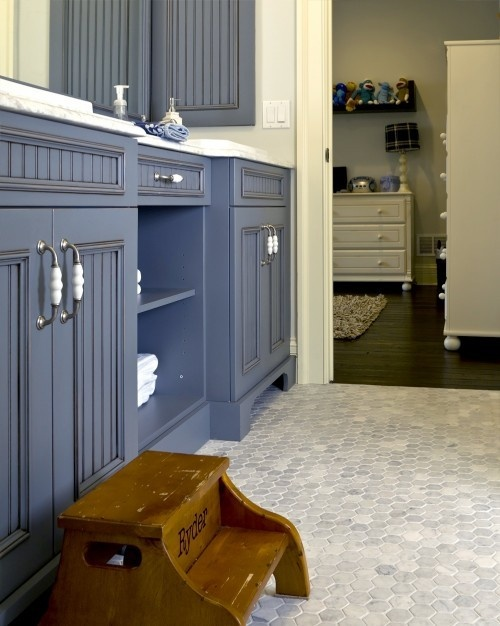 Kids' bathroom - love the tile and cabinet colour