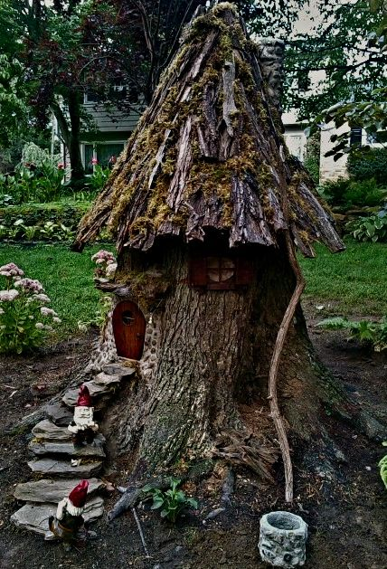 yes to the idea of building a gnome house or fairy house from an old tree trunk no to that specific roof - Gnome House S Design