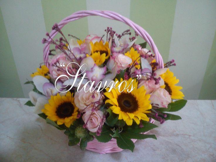 #pink #flower#basket with #roses#sunflowers#cymbidium#