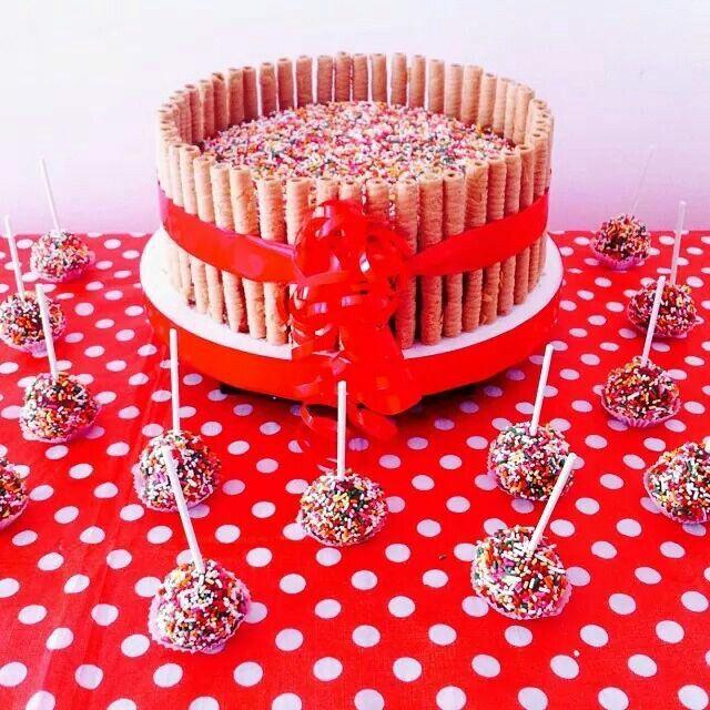 Torta de chocolate con barquillos