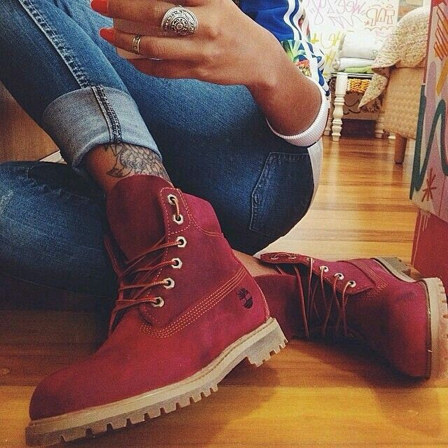 Red timberland timberlands outfit rouge