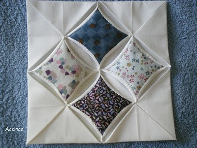 Great tutorial for traditional Cathedral Window technique. source: Pincushion                                                                                                                                                                                 Más