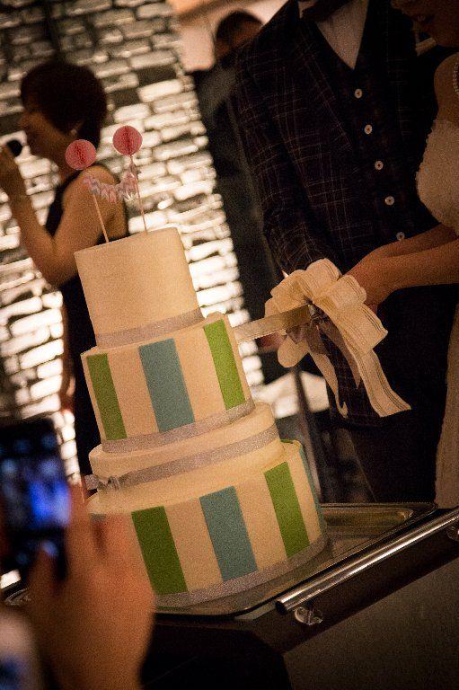 ストライプウェディングケーキ