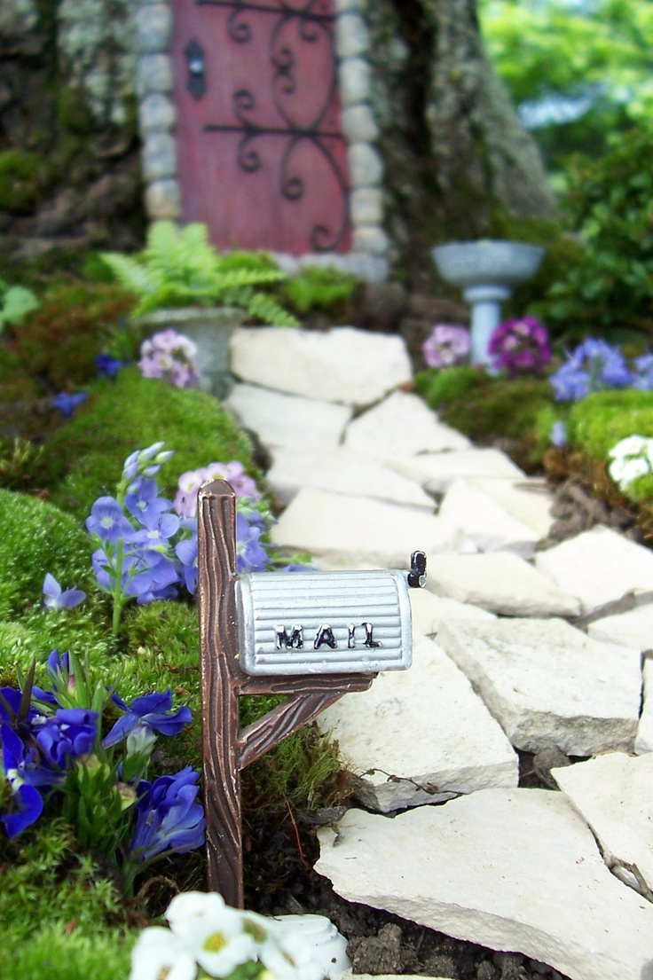 Time to go get the mail in Fairy Village!