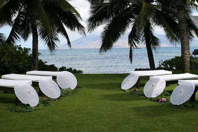wedding benches in hawaii | SocialTables.com | Event Planning Software