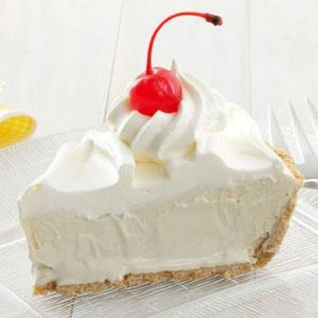 Root Beer Float Pie - this would be so good using orange pop