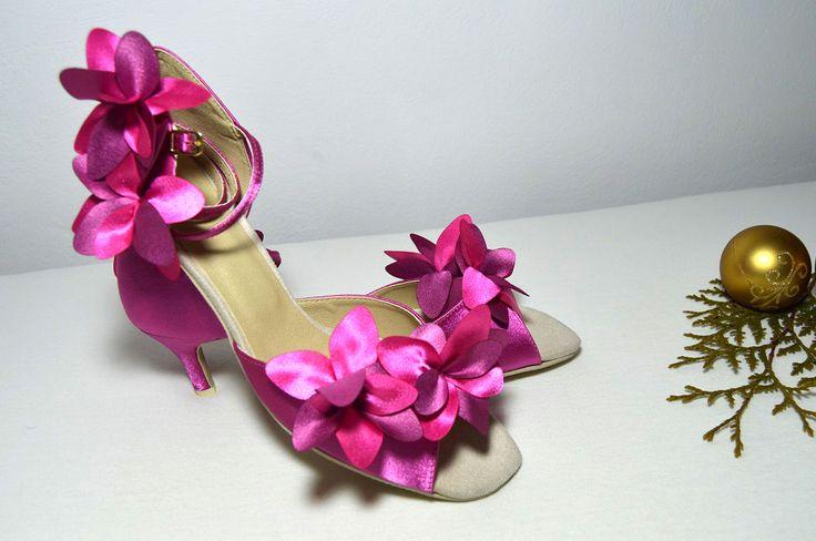 Sytě růžové svatební boty -  taneční styl úprava pro běžné nošení venku. Sýto ružové svadobné topánky - v tanečnom štýle s úpravou pre bežné nosenie vonku, svatební obuv, společenksá obuv, spoločenské topánky, topánky pre družičky, svadobné topánky, svadobná obuv, obuv na mieru, topánky podľa vlastného návrhu, pohodlné svatební boty, svatební lodičky, svatební boty se zdobením,topánky pre nevestu, ružové, cyklaménové svadobné topánky