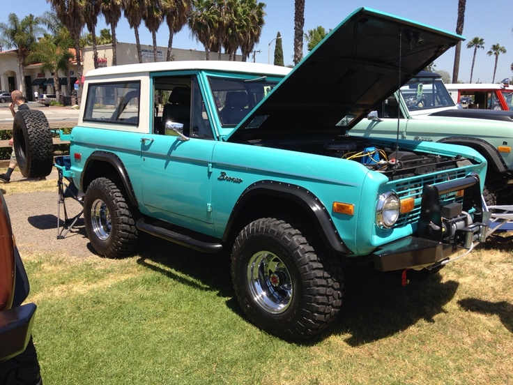 Ford classic early bronco !!!!! This is EXACTLY what I want mine & 818 best Bronco images on Pinterest | Ford bronco Broncos and ... markmcfarlin.com
