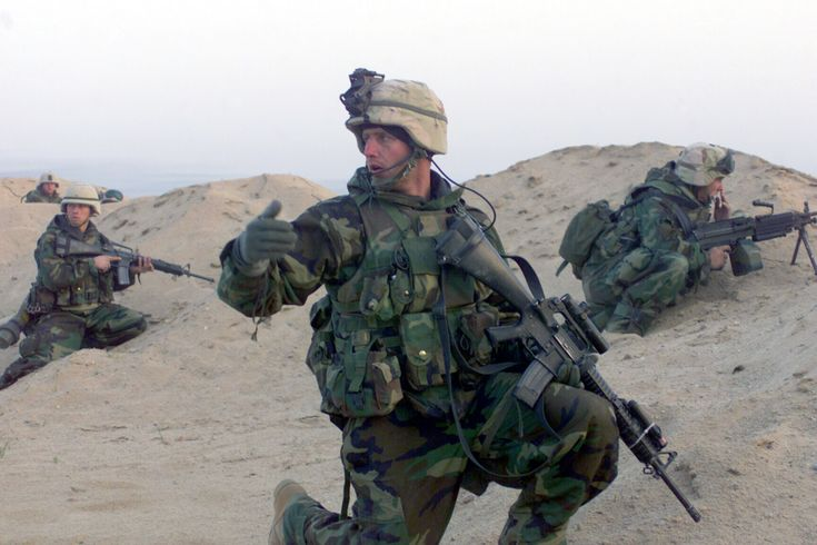 Marines from the 15th MEU during a mission in Iraq 23 March 2003 [2100  1400]