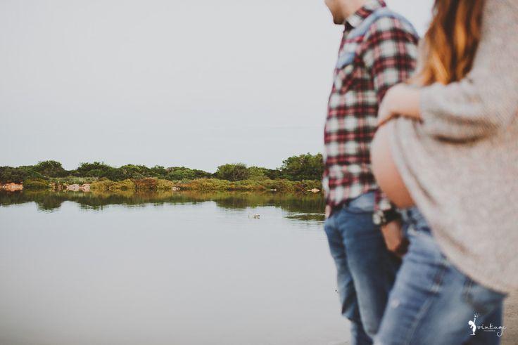 BOOK EMBARAZADA EN VALENCIA. Este es el reportaje de maternidad de Eva y Rafa. Este el momento en que dos vidas crearon una tercera. Este es sin lugar a dudas, uno de los recuerdos más alegres que tendrán de los nueve meses que estará Eva gestando un nueva luz en su interior.