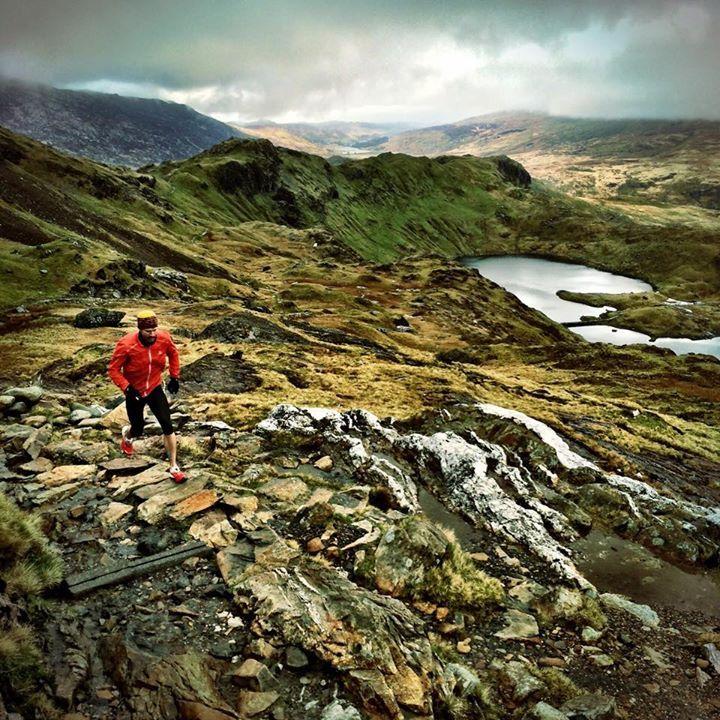 Rickey Gates taking in the splendor of the Mt Snowden trail #TrailRunning #FellRunning #Snowdonia
