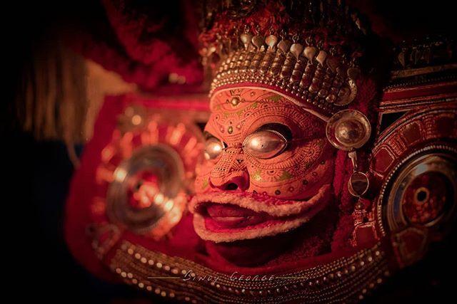 #Theyyam artist during his performance at a local temple Kannur. #Vayanattu_Kulavan_Theyyam #Thondachan_Theyyam #binoygeorgephotography #binoygeorge #lpmi #NGTIndia #apfmagazine #creativeimagemagazine #LiveBravely #TLPicks #LiveTravelChannel #insidertravel #tripotocommunity #CultureTrip #bbcculture #wonderful_places #tourism #IncredibleIndia #iamnikon #indiaphotosociety #YourShotPhotographer #dslrofficial #photographers_of_india #Culture #discoverindia #OutlookTraveller  #portrait #people…