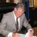 IDAHO- Governor Butch Otter Signs Legislation Nullifying All Future Federal Gun Control.
