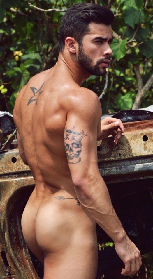 italien male nude models