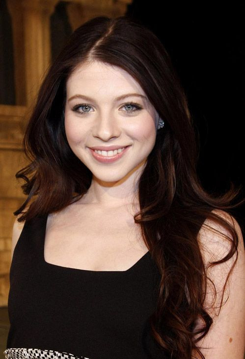Michelle Trachtenberg Hair Color Formula - All over color: 4CR (3oz)  4MO (2oz)  3N (1oz)  Mix with: 20 vol creme developer