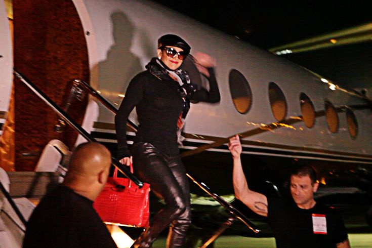 Singer Jennifer Lopez arrives in Manila on board a private plane on Sunday. She will be staging a one-night-only concert at the SM Mall of Asia Arena on Monday, as part of her Dance Again World Tour.