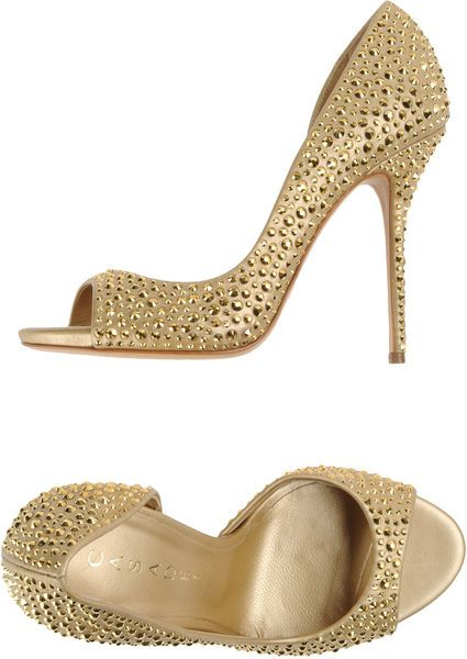 Altın Açık Toe ile Casadei Pompalar- http://reneesadvice.com/blog/ , Designer Shoes... #LadiesStylish                                                                                                                                                      More