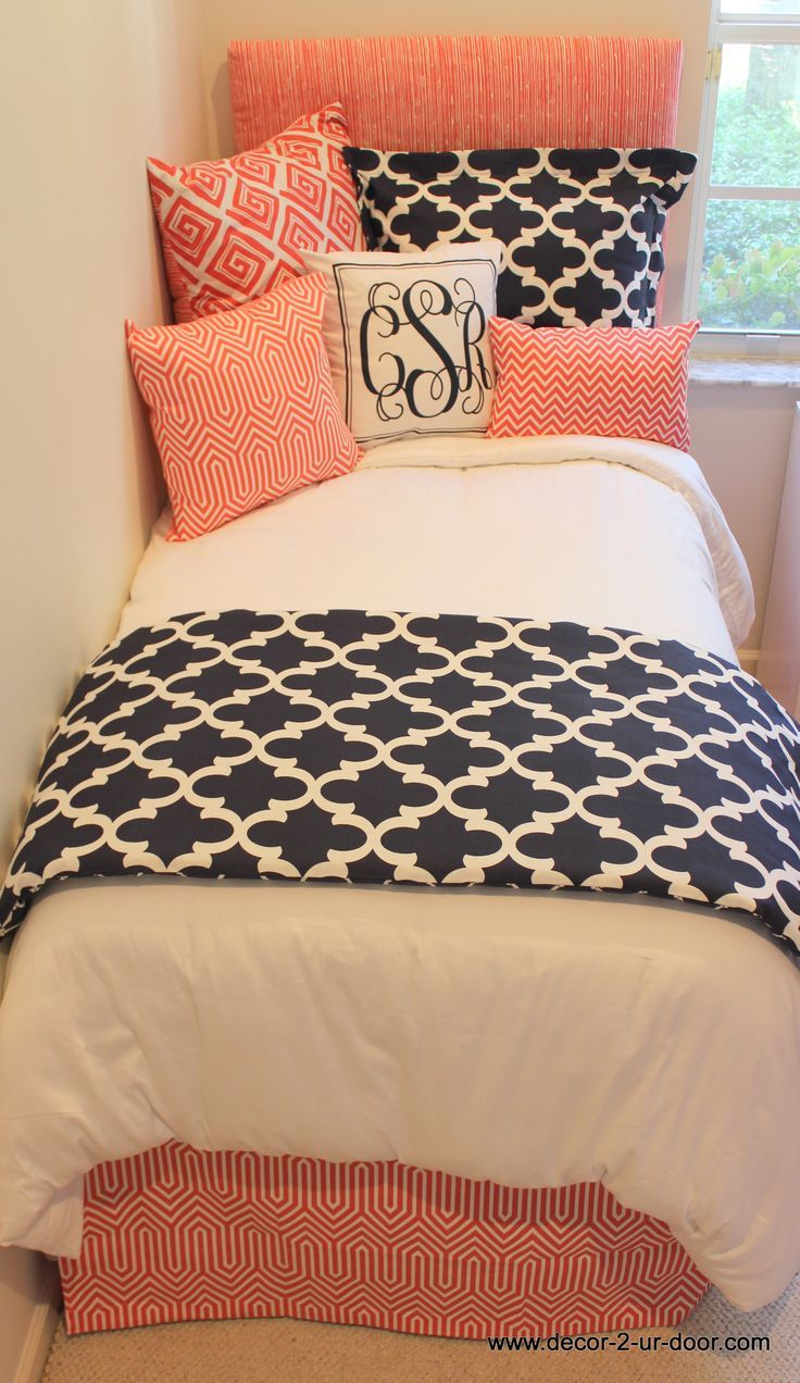 Preppy coral and navy dorm room. Decorate a dorm room. Dorm room bedding and…