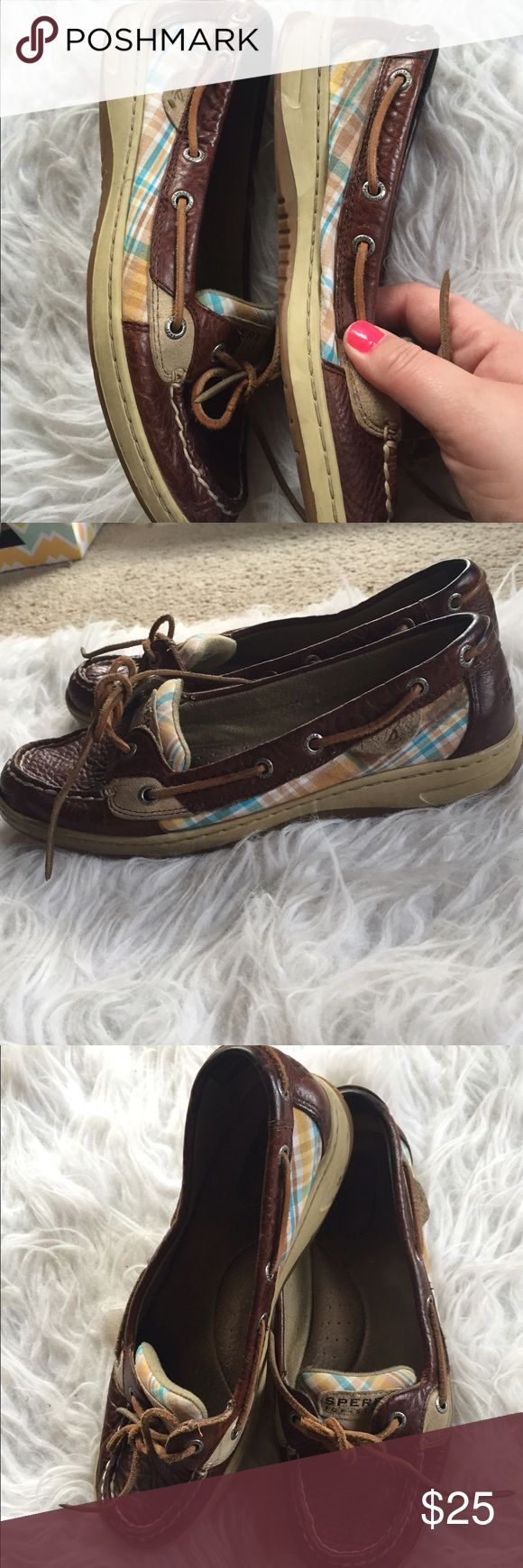 🆕 Sperry plaid boat shoes Very cute! They do have some signs of wear as pictured so priced accordingly! 👺NO TRADES DONT ASK! ✌🏼️Transactions through posh only!  😻 friendly home 💃🏼 if you ask a question about an item, please be ready to purchase (serious buyers only) ❤️Color may vary in person! 💗⭐️Bundles of 5+ LISTINGS are 5️⃣0️⃣% off! ⭐️buyer pays extra shipping if likely to be over 5 lbs 🙋thanks for looking! Sperry Top-Sider Shoes