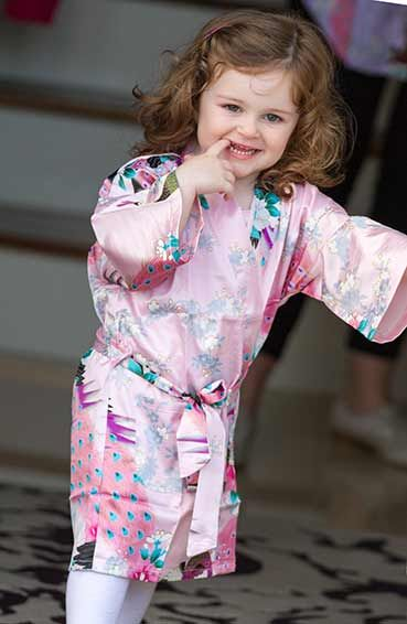 Pretty Flower Girl Floral Robes for little pretty ladies.  http://www.WowWee.ie