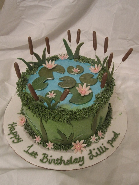 ... cake pond ideas lily pad foodie frogs cake decorating birthday cakes