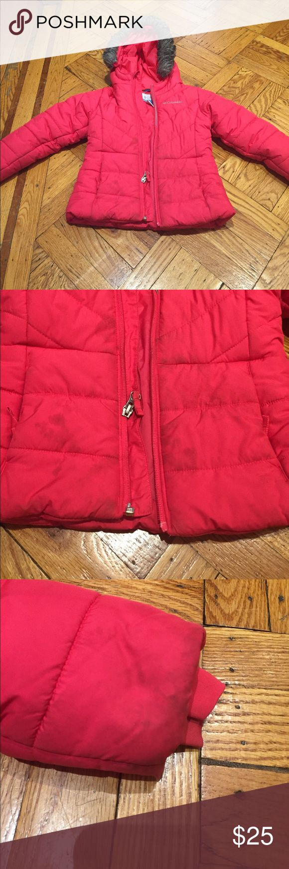 ☃️COLUMBIA Toddler Girl winter puffer jacket☃️ ☃️COLUMBIA Toddler Girl winter puffer jacket☃️ stains on bottom front and sleeves near wrists otherwise great condition size 4 Columbia Jackets & Coats Puffers