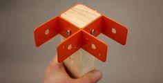 3 estudiantes de la Universidad de Lund, IDEO e IKEA han creado un sistema para muebles modulares compuesto por vigas de maderas y conexiones metálicas