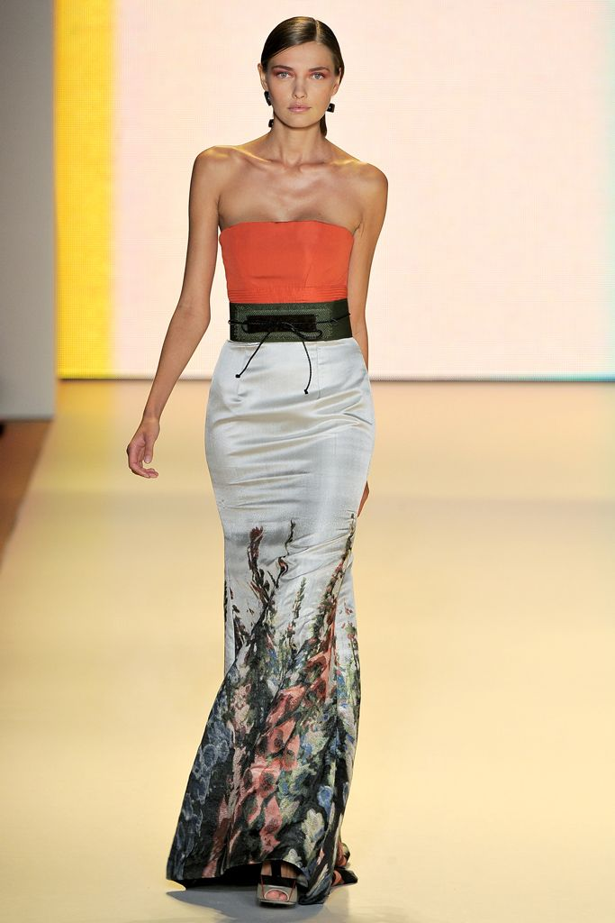 I like the 1) wide flat band at the top, 2) painted silk motif in the skirt