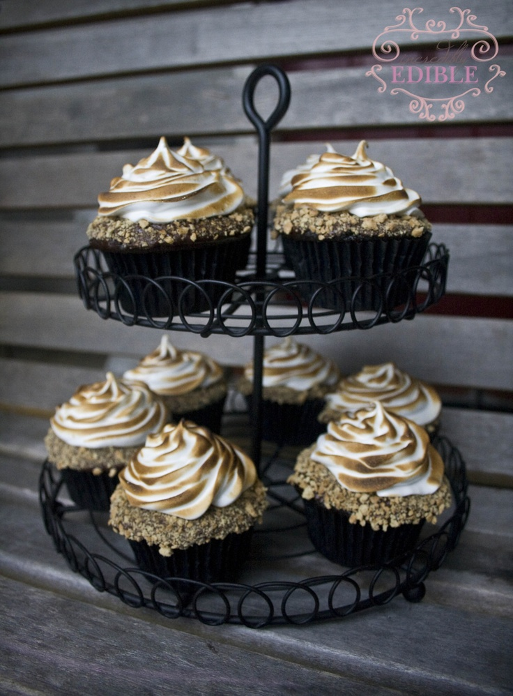 Chocolate Graham Cracker Cupcakes With Toasted Marshmallow Recipe ...
