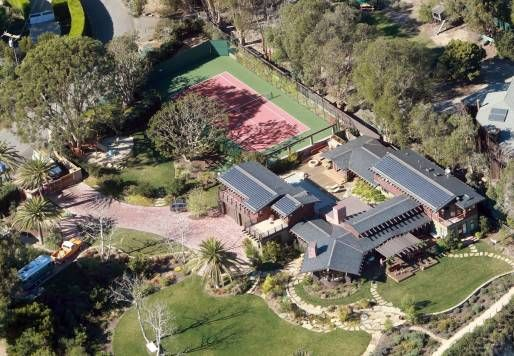 Julia Roberts' eco-friendly home - with solar panels on the roof!