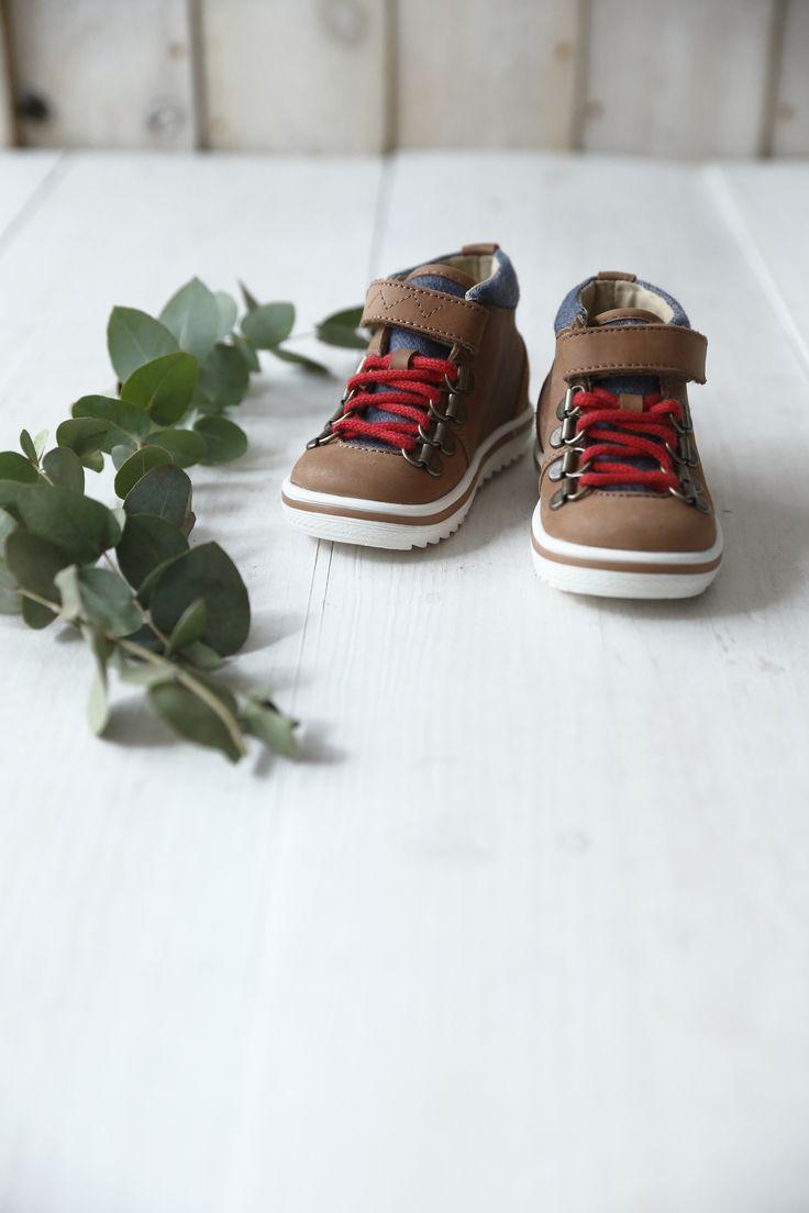 Mini chaussures de rando trop chou. Boutique - Vertbaudet