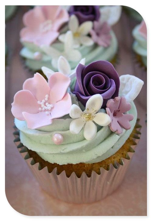 Jens wedding cupcakes