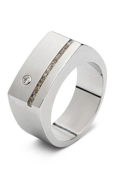 Zilveren ring met as gevuld, uit de collectie See-You.