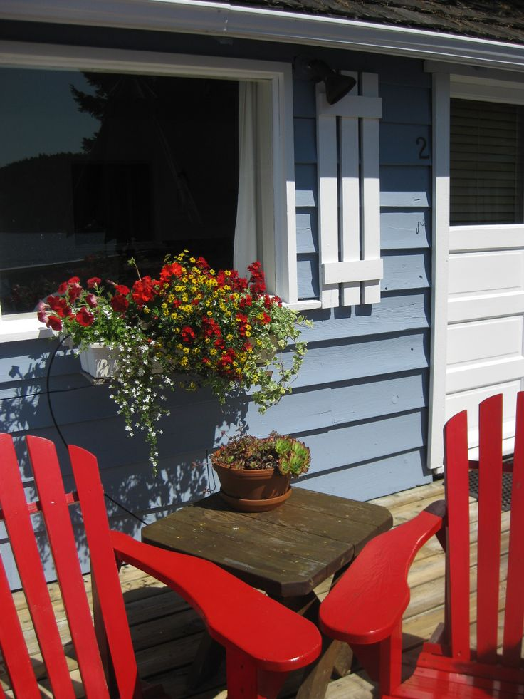 Deck chairs at the Oyster Shack www.fishermansresortmarina.com