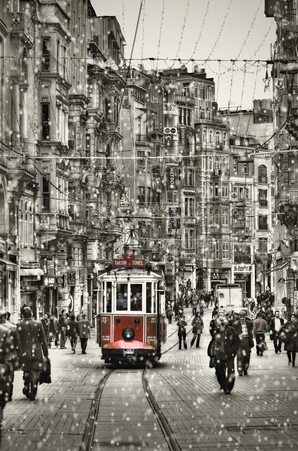 The Red Tram, Istanbul
